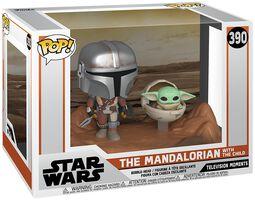 Vinylová figurka č. 390 The Mandalorian - The Mandalorian with The Child (Movie Moments)